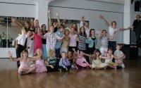 Gruppenfoto aller Kinder, welche einen oder mehrere swissdanceSTARs erhalten haben...