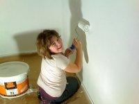 Frisch gestrichene Wände. Auch meine liebe Tochter Janice und meine unverzichtbare Gabi halfen tatkräftig mit.