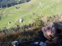 Da wirds einem ganz anders im Magen: Aussicht vom Wanderweg Richtung Hoher Kasten auf die Alp Soll hinunter.